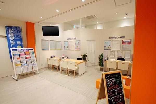 保険見直し本舗ららぽーと和泉店の店舗画像